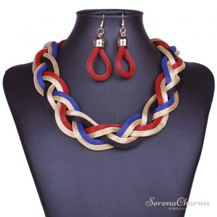 Mysterious Charming Necklace And Earrings Set