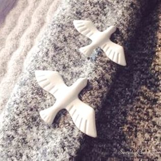 1pcs White Pigeon Brooch