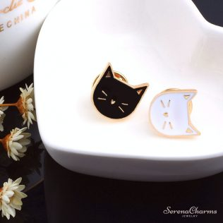 2 Pcs / Set Cartoon Cat Enamel Pins